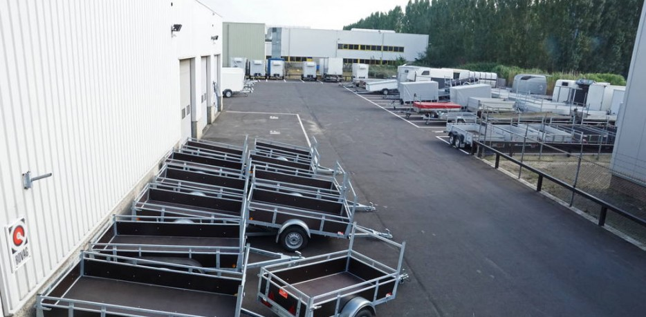 Aanhangwagens XXL West Brabant voor uw aanhangwagen of paardentrailer buitenterrein