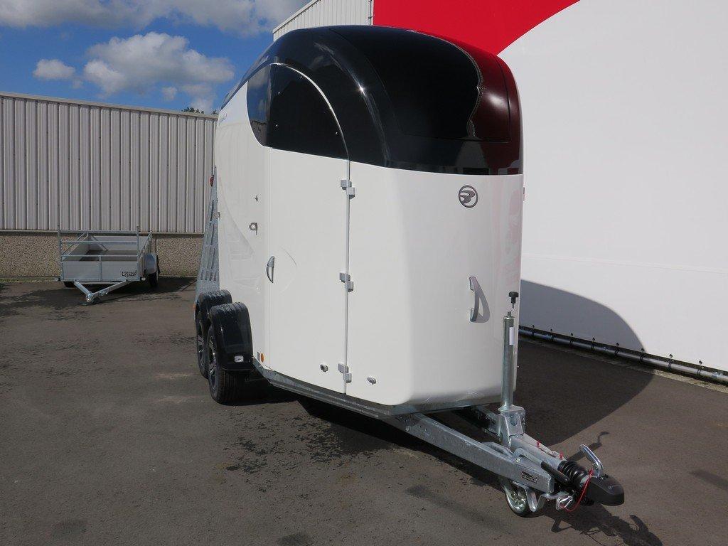 Bucker Careliner M poly 2 paards paardentrailer Bucker Careliner M poly 2 paards paardentrailer Aanhangwagens XXL West Brabant 4.0 voorkant