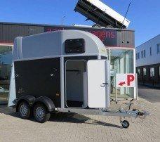 Humbaur Single plywood 1,5 paards trailer paardentrailers Aanhangwagens XXL West Brabant hoofd