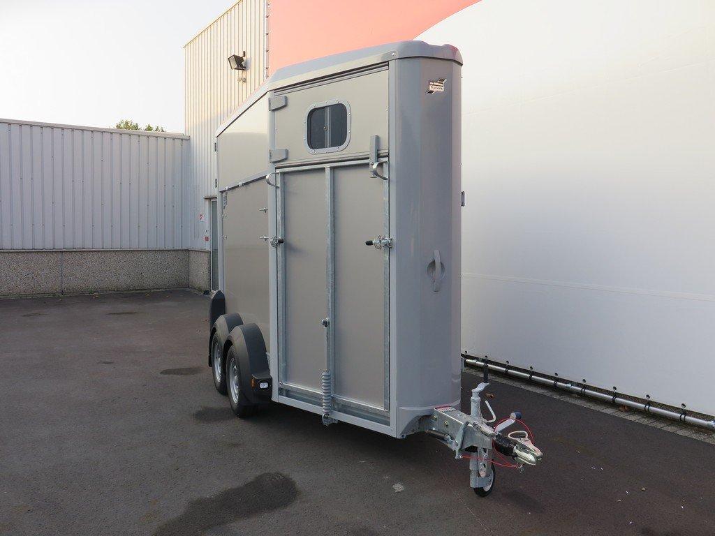 Ifor Williams HB403 1,5 paards paardentrailer Aanhangwagens XXL West Brabant 2.0 voorkant Aanhangwagens XXL West Brabant