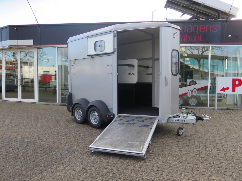 Ifor Williams HB506 2 paards trailer paardentrailers Aanhangwagens XXL West Brabant hoofd Aanhangwagens XXL West Brabant