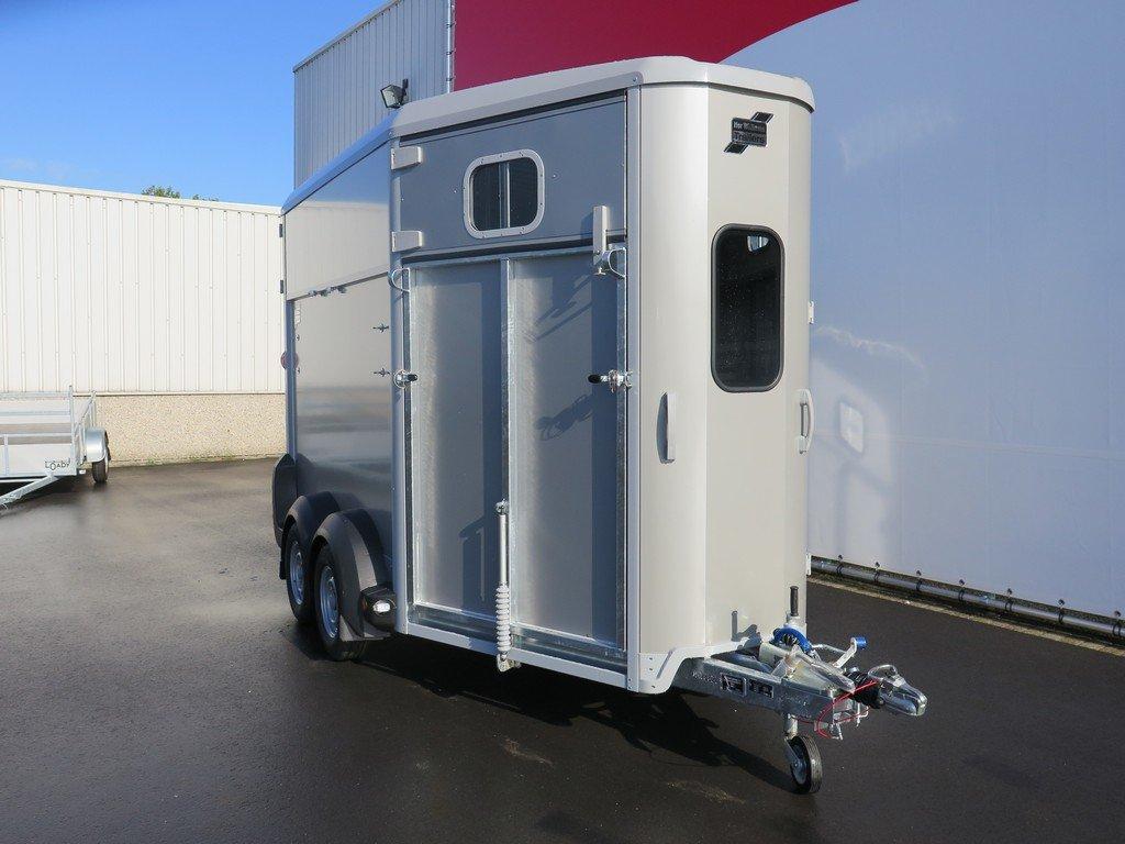Ifor Williams HB511 2 paards paardentrailer Ifor Williams HB511 2 paards paardentrailer Aanhangwagens XXL West Brabant 2.0 voorkant