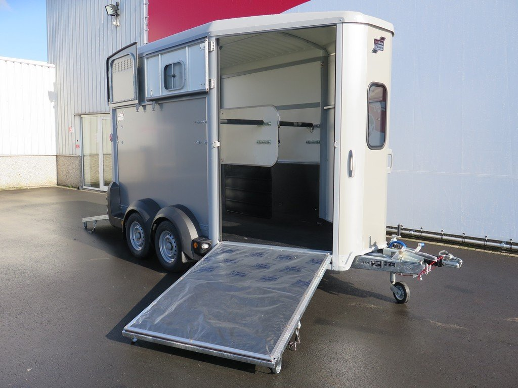 Ifor Williams HB511 2 paards paardentrailer Aanhangwagens XXL West Brabant 2.0 vooruitloop