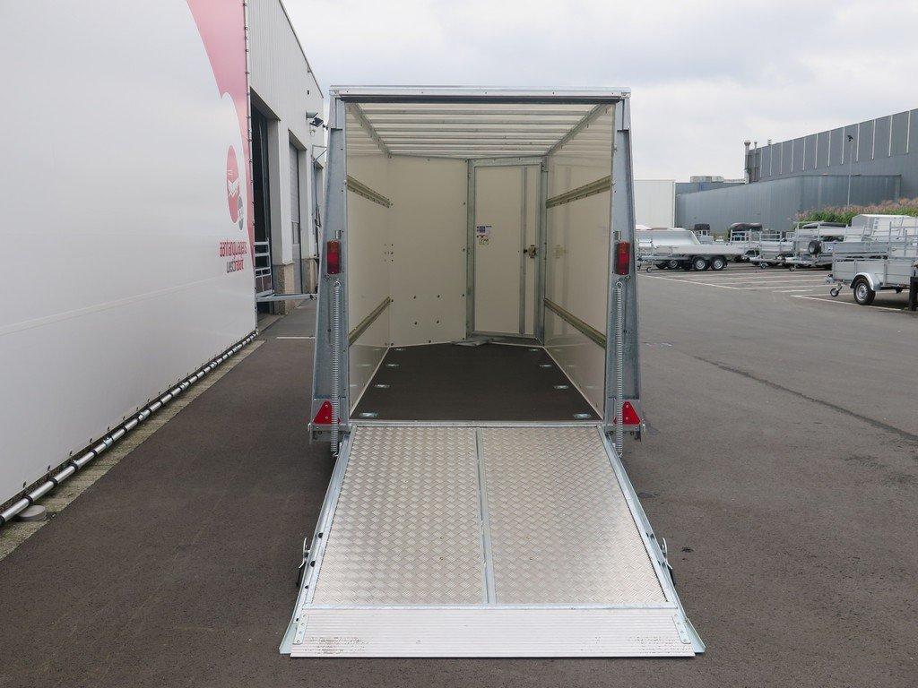 Ifor Williams gesloten aanhanger 303x147x183cm 2700kg Aanhangwagens XXL West Brabant 2.0 achter open Aanhangwagens XXL West Brabant