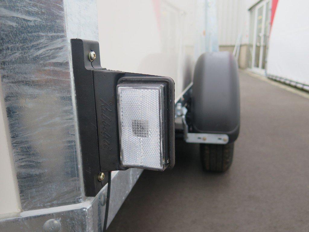 Ifor Williams gesloten aanhanger 303x147x183cm 2700kg Aanhangwagens XXL West Brabant 2.0 zijmarkeringsverlichting Aanhangwagens XXL West Brabant
