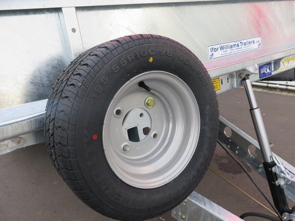 Ifor Williams machinetransporter 550x204cm 3500kg kantelbaar Ifor Williams machinetransporter 550x204cm 3500kg kantelbaar Aanhangwagens XXL West Brabant 3.0 reservewiel