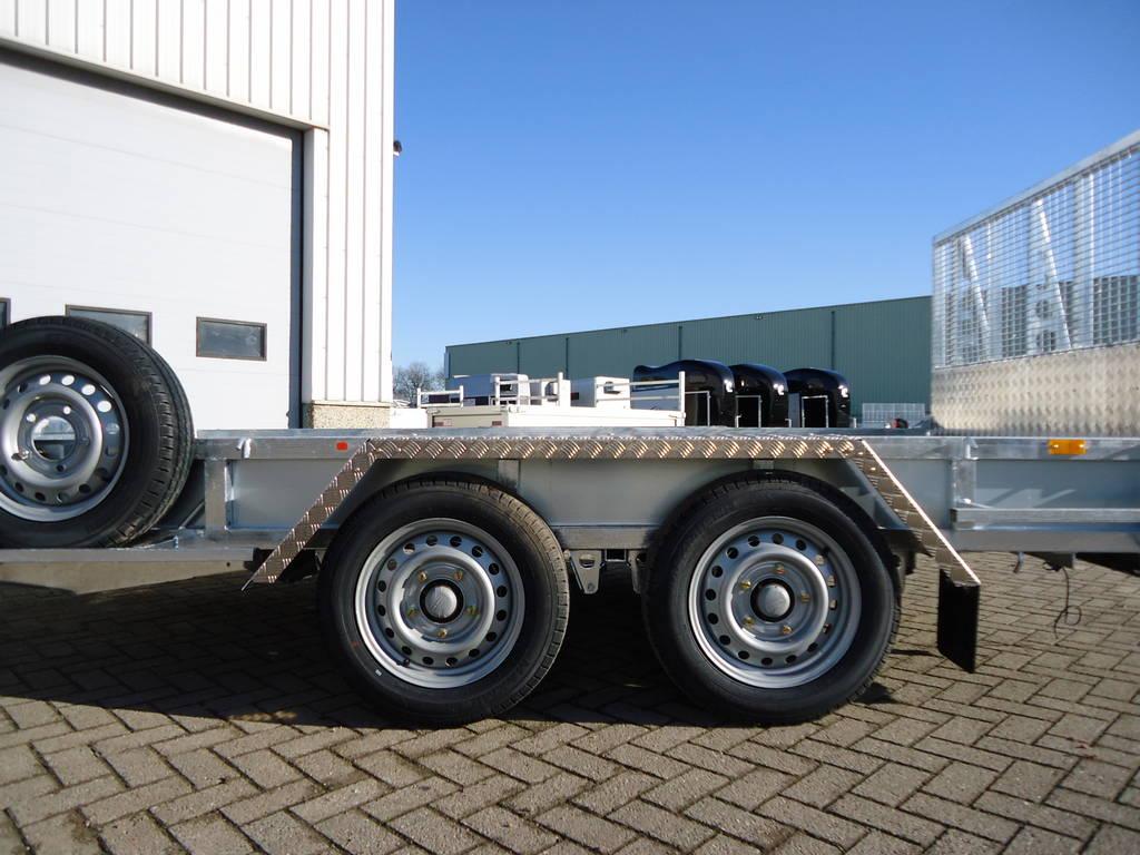 Ifor Williams transporter 366x178cm 3500kg machinetransporter Aanhangwagens XXL West Brabant zijkant
