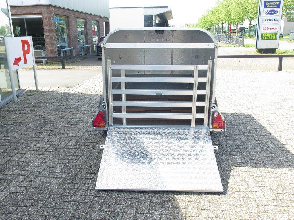 Ifor Williams veetrailer 221x121x112cm Aanhangwagens XXL West Brabant 2.0 achter open Aanhangwagens XXL West Brabant