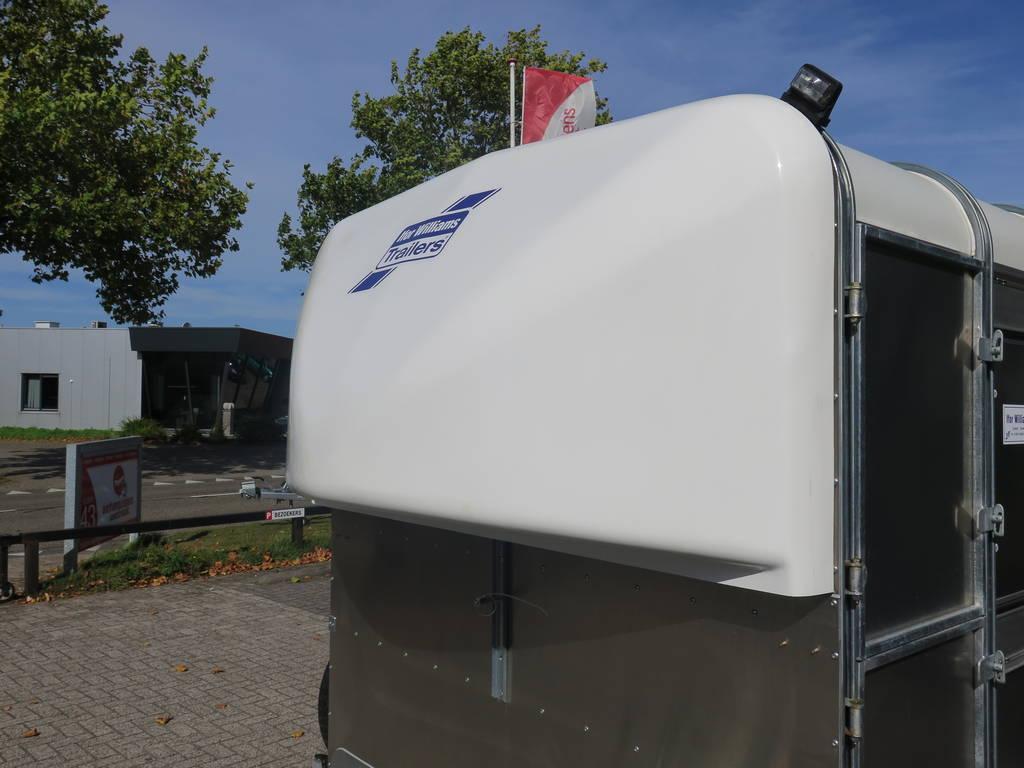 ifor-williams-veetrailer-427x178x183cm-veetrailers-aanhangwagens-xxl-west-brabant-neus-2-0 Aanhangwagens XXL West Brabant