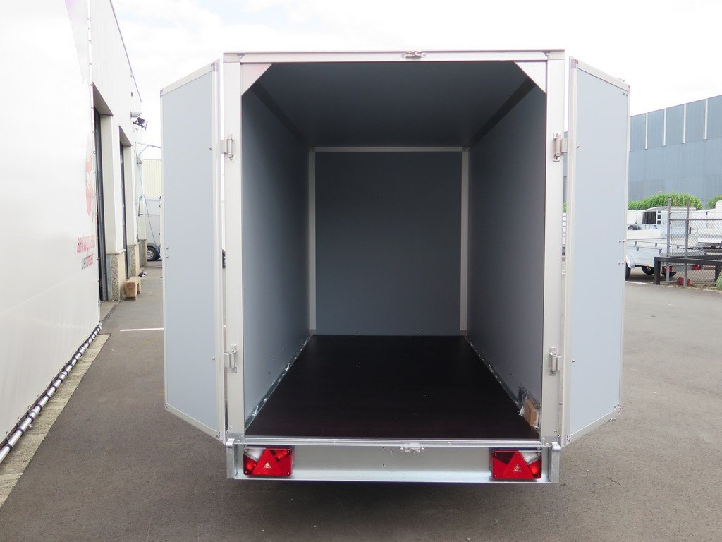 Saris gesloten aanhanger 306x154x180cm 2000kg Aanhangwagens XXL West Brabant 2.0 achter open Aanhangwagens XXL West Brabant