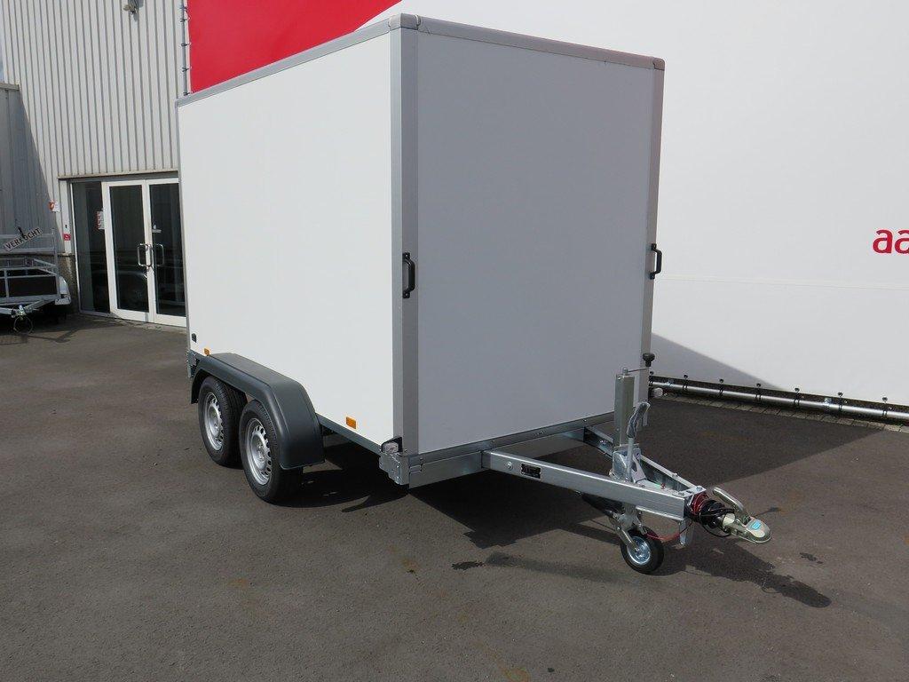 Saris gesloten aanhanger 306x154x180cm 2000kg Aanhangwagens XXL West Brabant 2.0 voorkant Aanhangwagens XXL West Brabant