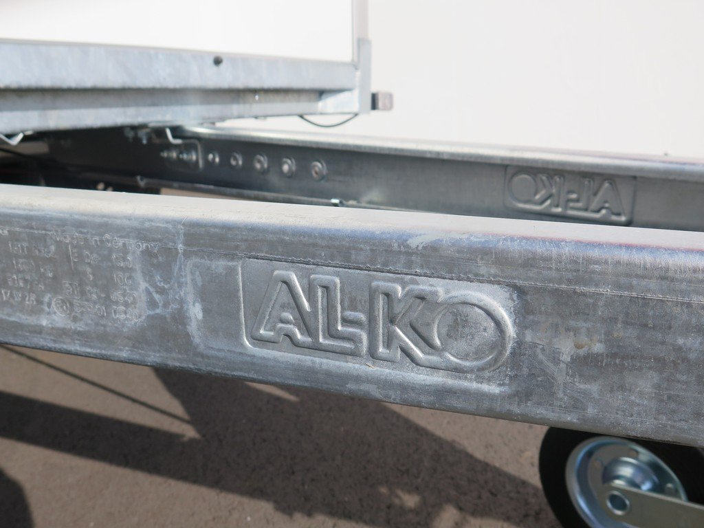 Easyline gesloten aanhanger 300x147x150cm 1600kg Easyline gesloten aanhanger 300x150x150cm 1500kg Aanhangwagens XXL West Brabant 2.0 ALKO onderstel