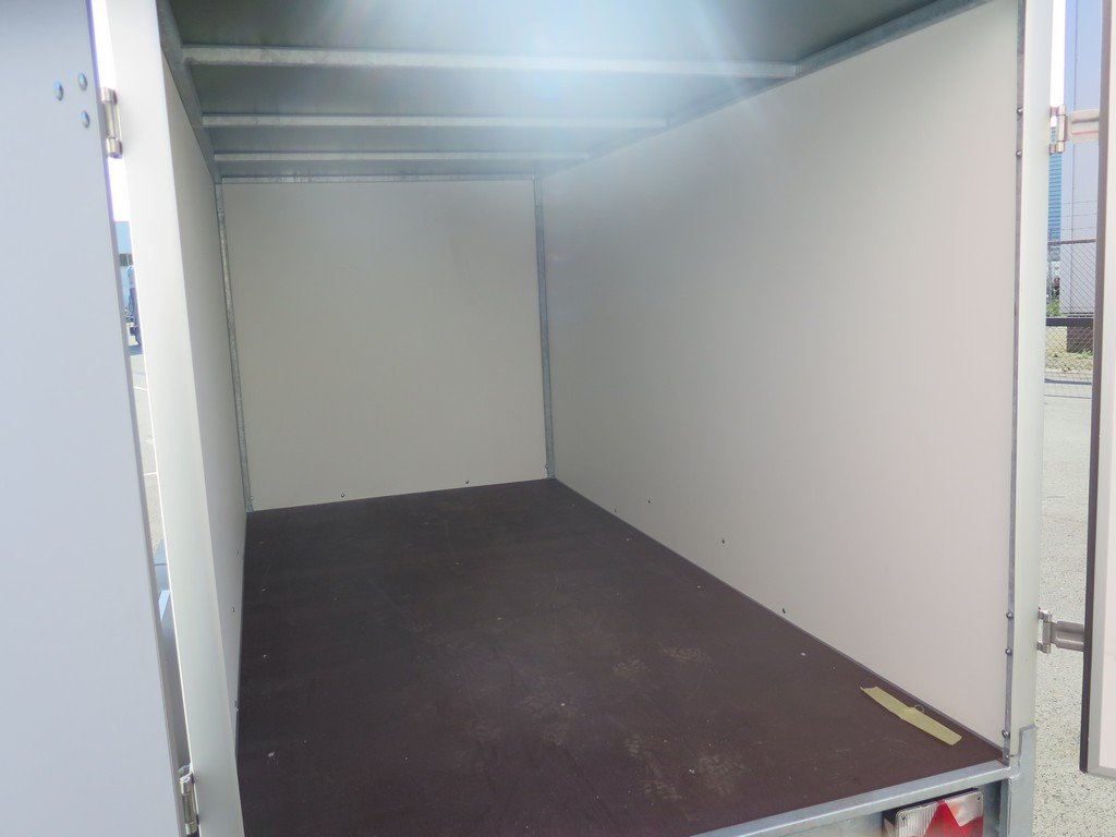 Easyline gesloten aanhanger 300x147x150cm 1600kg Easyline gesloten aanhanger 300x150x150cm 1500kg Aanhangwagens XXL West Brabant 2.0 binnenkant