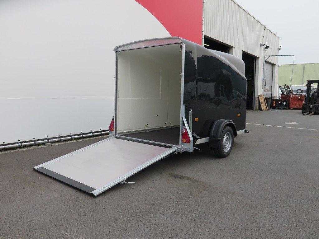 Easyline motortrailer 300x151x170cm 1300kg gesloten Aanhangwagens XXL West Brabant 2.0 achterklep Aanhangwagens XXL West Brabant