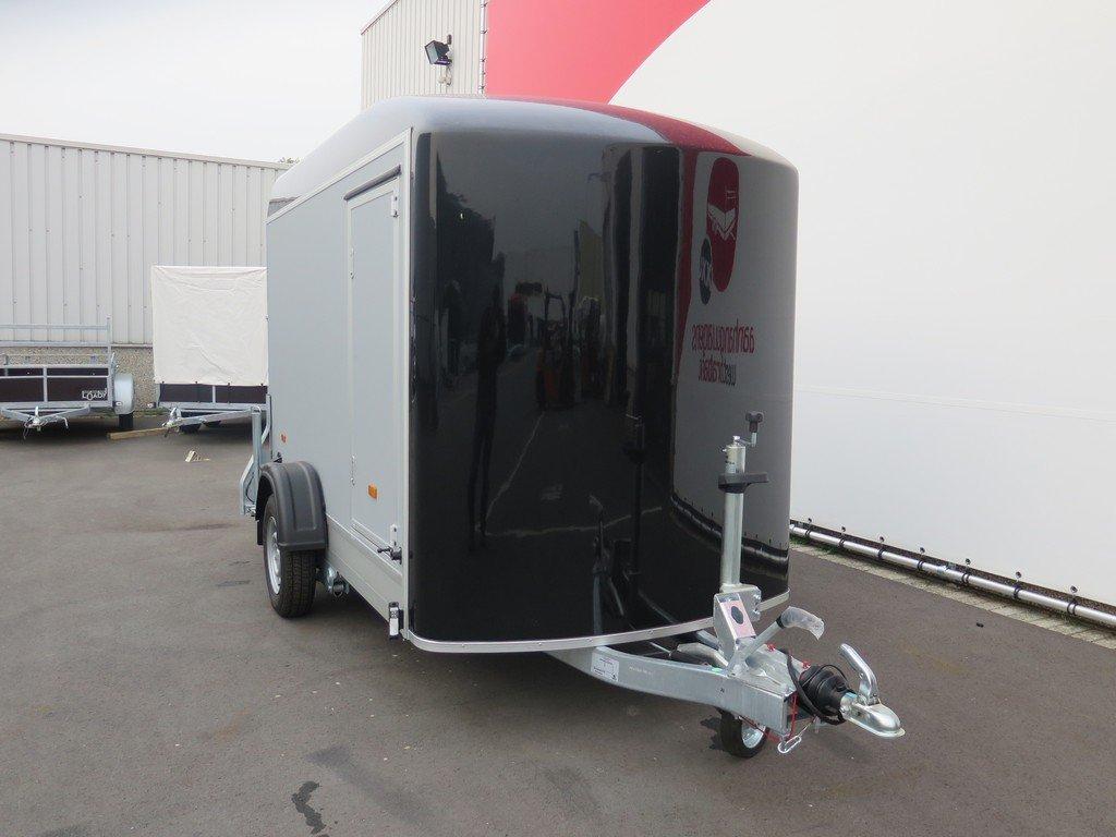 Easyline motortrailer 302x150x195cm 1300kg gesloten Aanhangwagens XXL West Brabant 2.0 voorkant Aanhangwagens XXL West Brabant