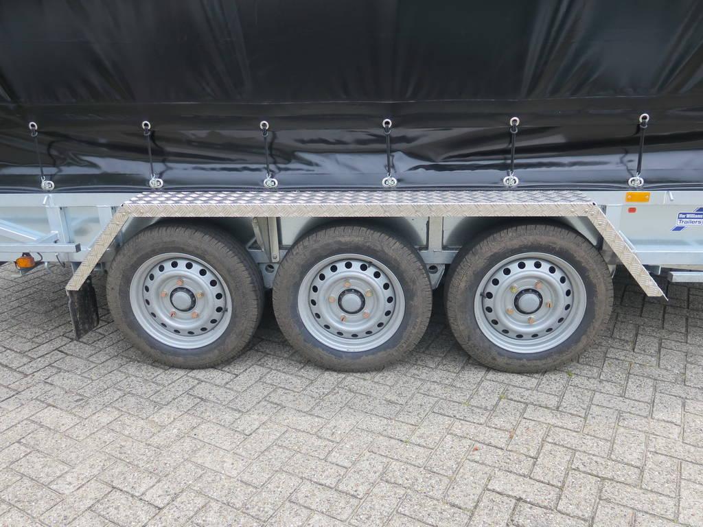 ifor-williams-transporter-met-huif-429x193cm-3500-kg-machinetransporter-aanhangwagens-xxl-west-brabant-banden Aanhangwagens XXL West Brabant