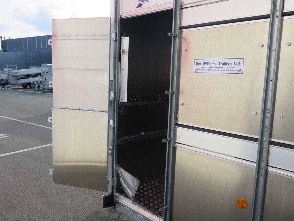 Ifor Williams veetrailer 427x178x213cm 3500kg tridemas Aanhangwagens XXL West Brabant 2.0 verzorgingsdeur Aanhangwagens XXL West Brabant