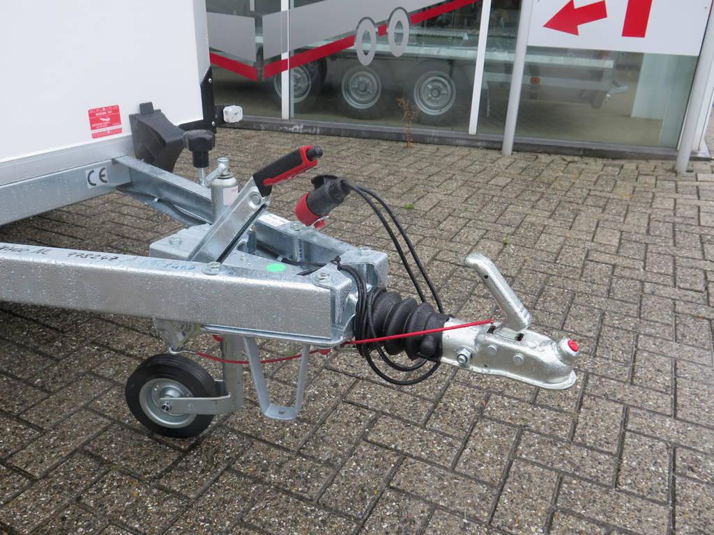 maatwerk-gesloten-aanhangwagen-voor-inbouw-compressor-251x132x150-1350kg-speciaalbouw-aanhangwagens-xxl-west-brabant-dissel Aanhangwagens XXL West Brabant