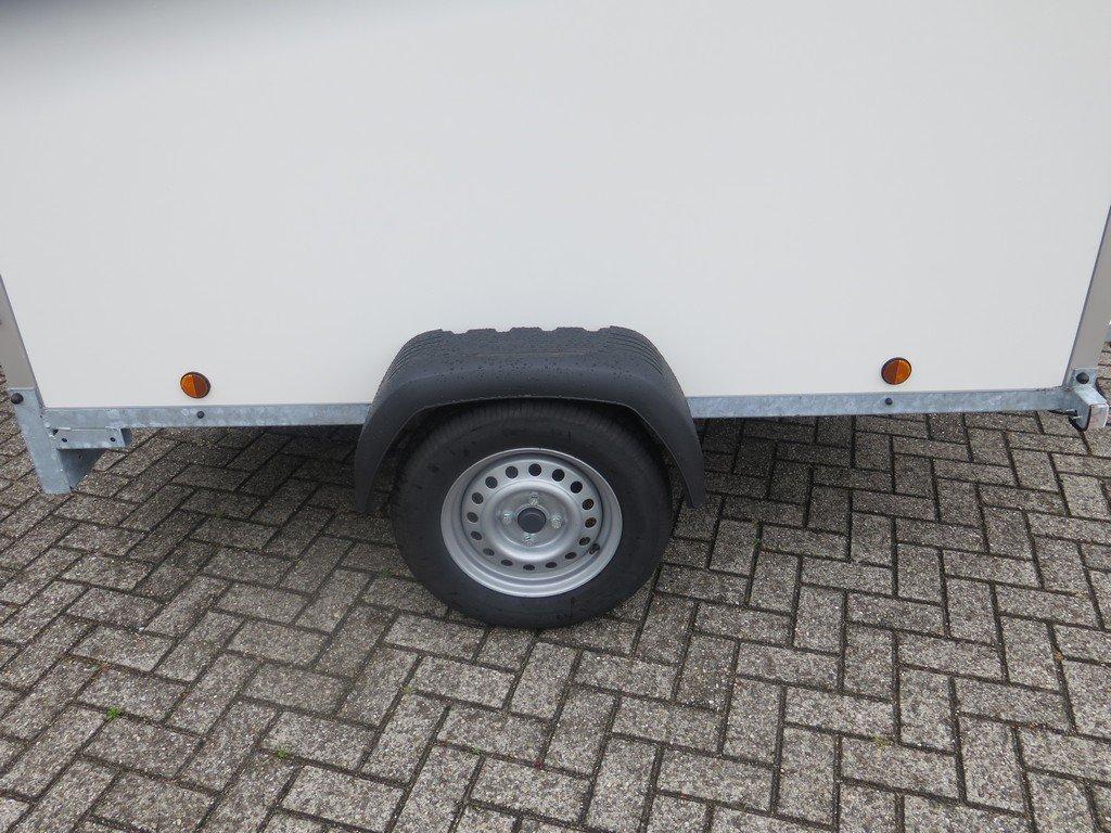 Easyline gesloten aanhanger 200x125x150cm 750kg Aanhangwagens XXL West Brabant zijkant