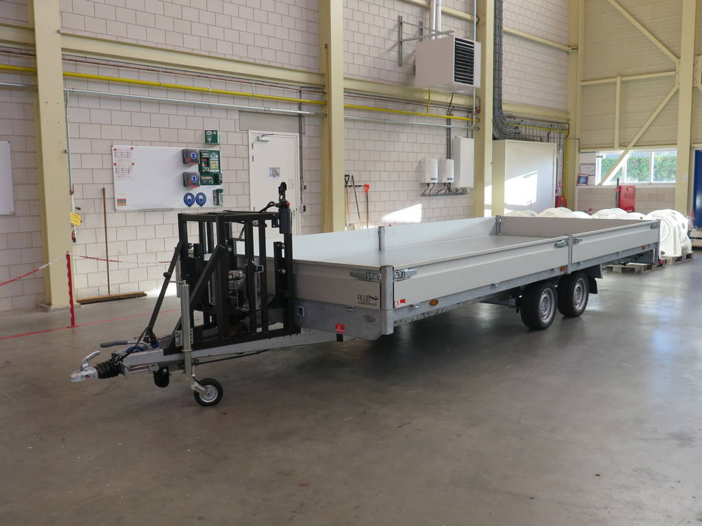 Maatwerk aanhangwagen met hydraulisch neuswiel maatwerk-aanhangwagen-met-hydraulisch-neuswiel-612x248cm-3500kg-speciaalbouw-aanhangwagens-xxl-west-brabant-hoofd