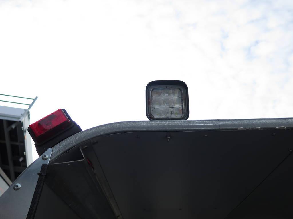 ifor-williams-veetrailer-427x178x213cm-3-as-speciaalbouw-aanhangwagens-xxl-west-brabant-verlichting Aanhangwagens XXL West Brabant