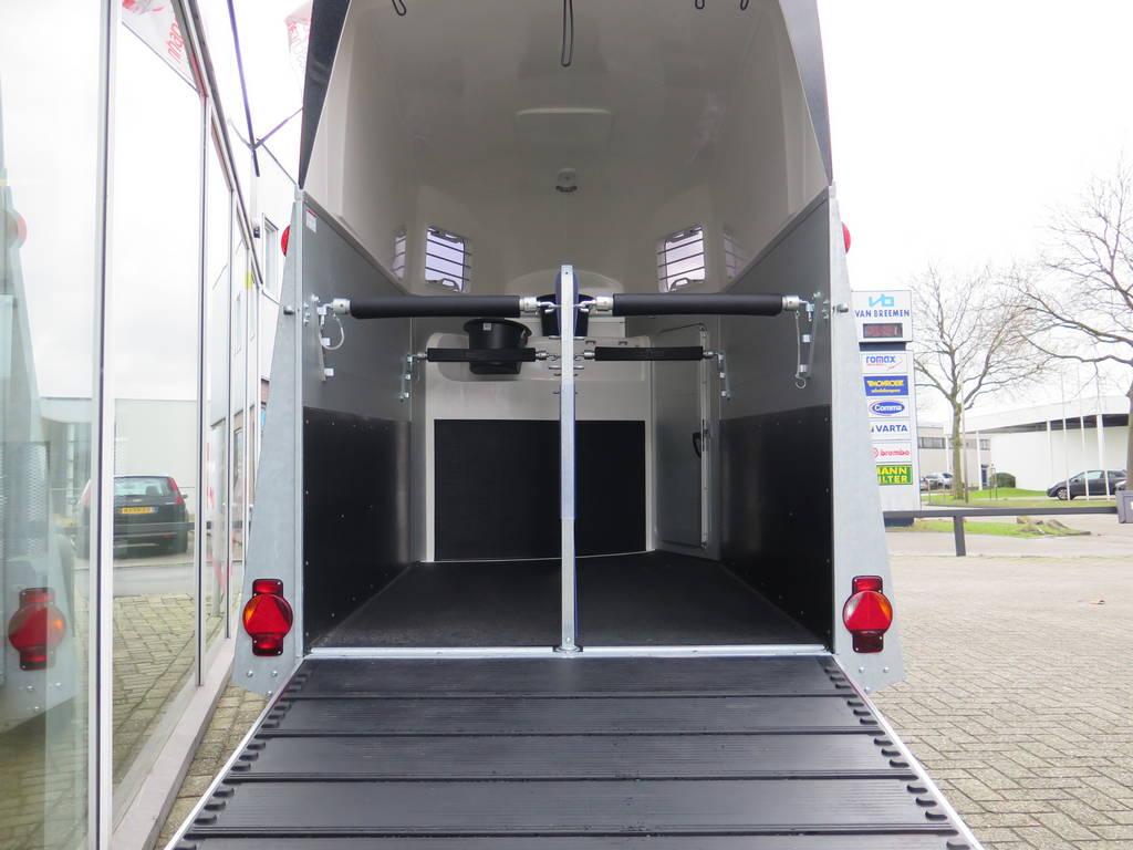 Humbaur Xanthos Koetsentrailer Aanhangwagens XXL West Brabant 2.0 achter open