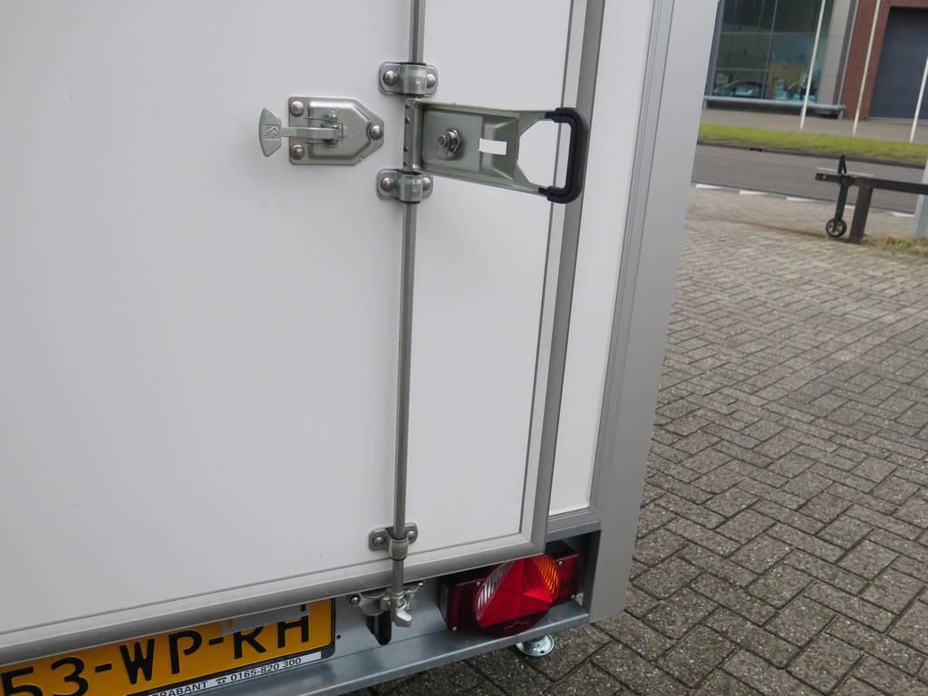 Maatwerk gesloten aanhangwagen 500x244x230cm speciaalbouw Aanhangwagens XXL West Brabant sluiting 2.0 Aanhangwagens XXL West Brabant