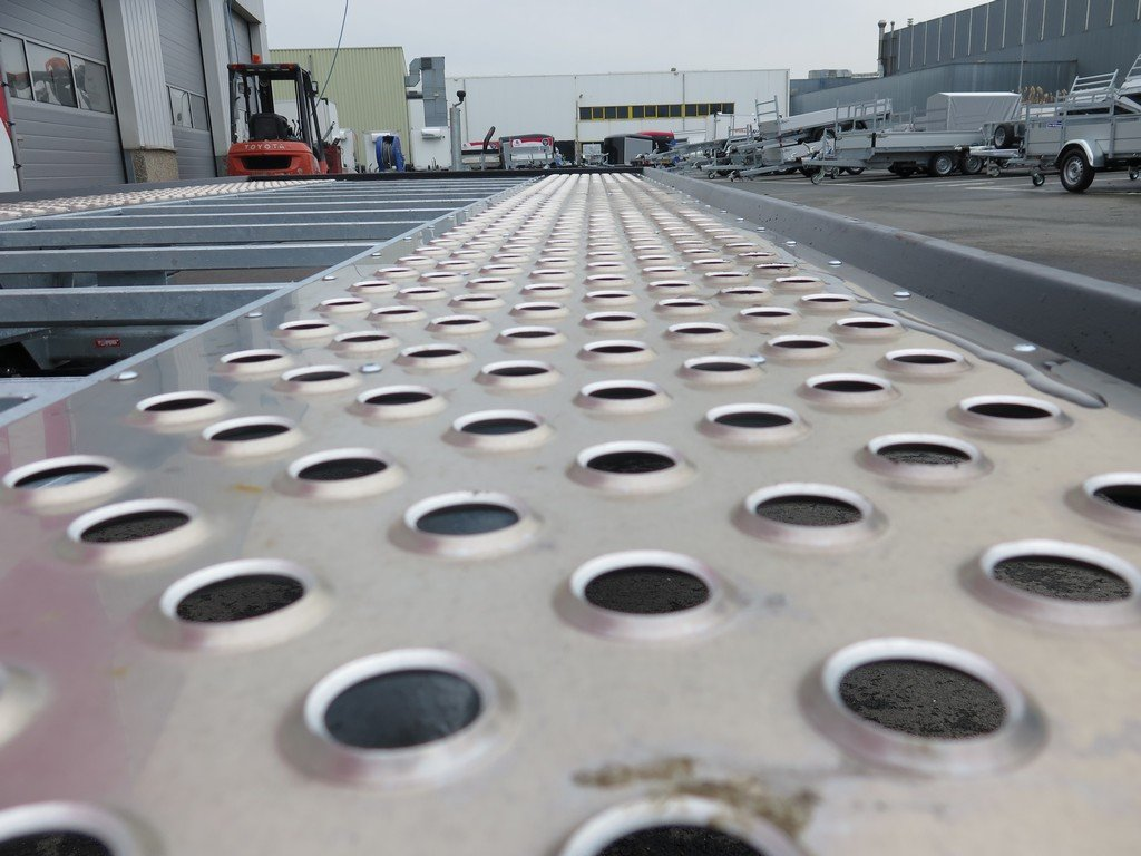 Proline autotransporter 501x210cm 3000kg Aanhangwagens XXL West Brabant 2.0 gatenprofiel