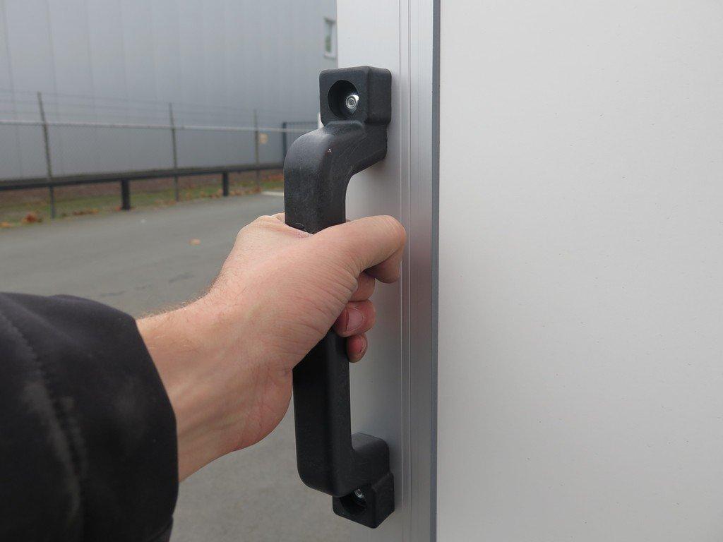 Easyline gesloten aanhanger 250x150x150cm 1450kg Easyline gesloten aanhanger 250x150x150cm 1350kg Aanhangwagens XXL West Brabant handvat