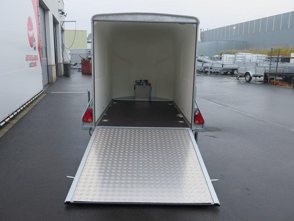 Maatwerk Easyline volpoly gesloten aanhanger Aanhangwagens XXL West Brabant achter open