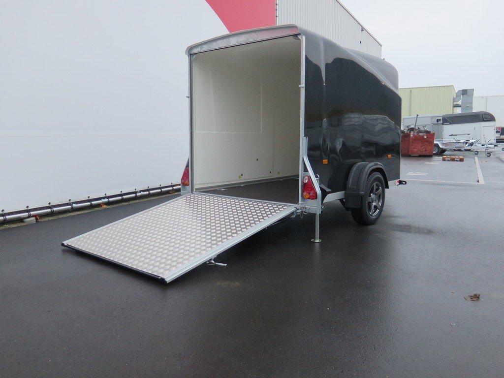 Maatwerk Easyline volpoly gesloten aanhanger Aanhangwagens XXL West Brabant oprijpklep