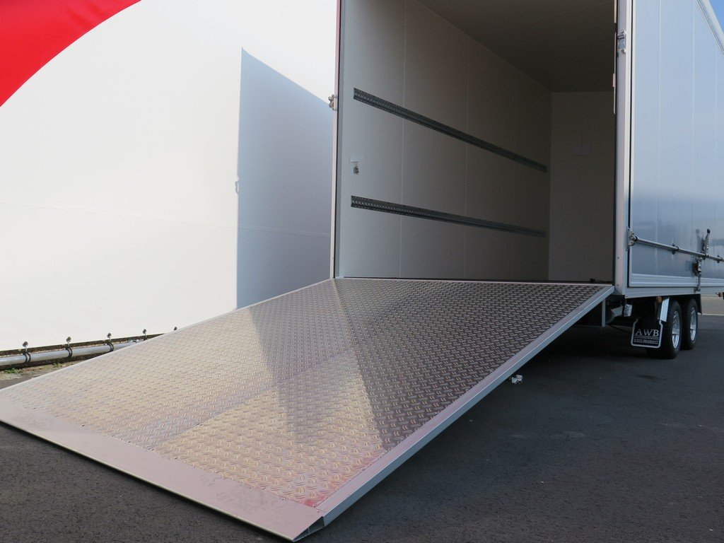 Proline gesloten aanhanger 425x204x250cm 3000kg Aanhangwagens XXL West Brabant oprijklep Aanhangwagens XXL West Brabant
