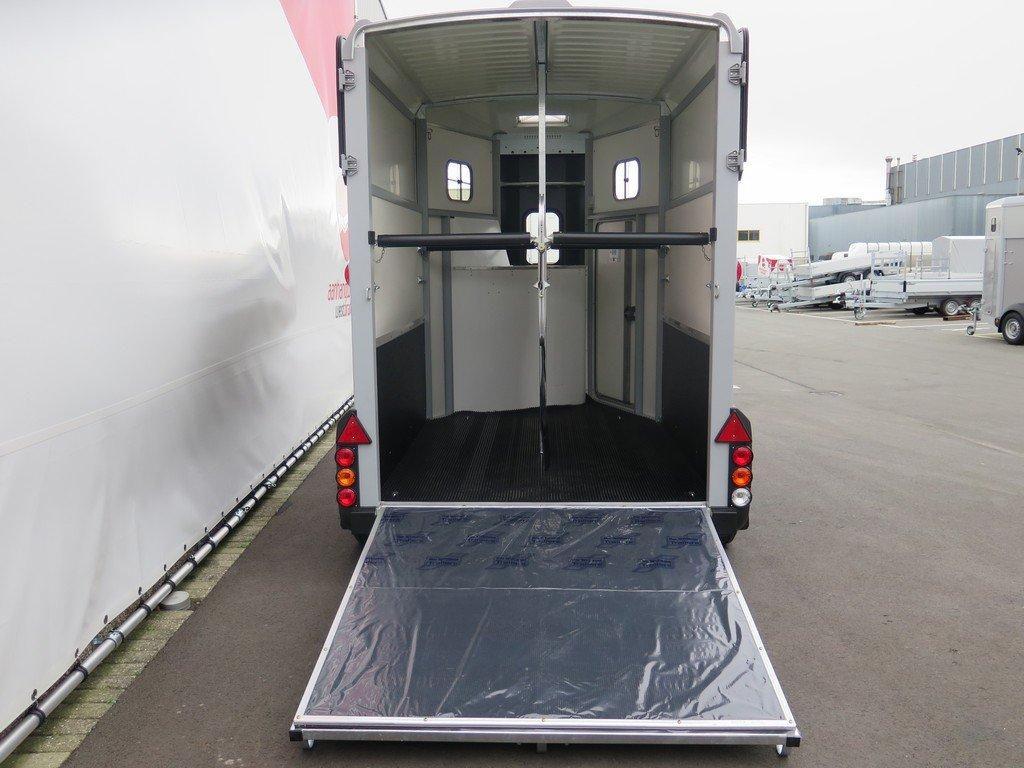Ifor Williams HB506 2 paards paardentrailer met zadelkamer Aanhangwagens XXL West Brabant achter open