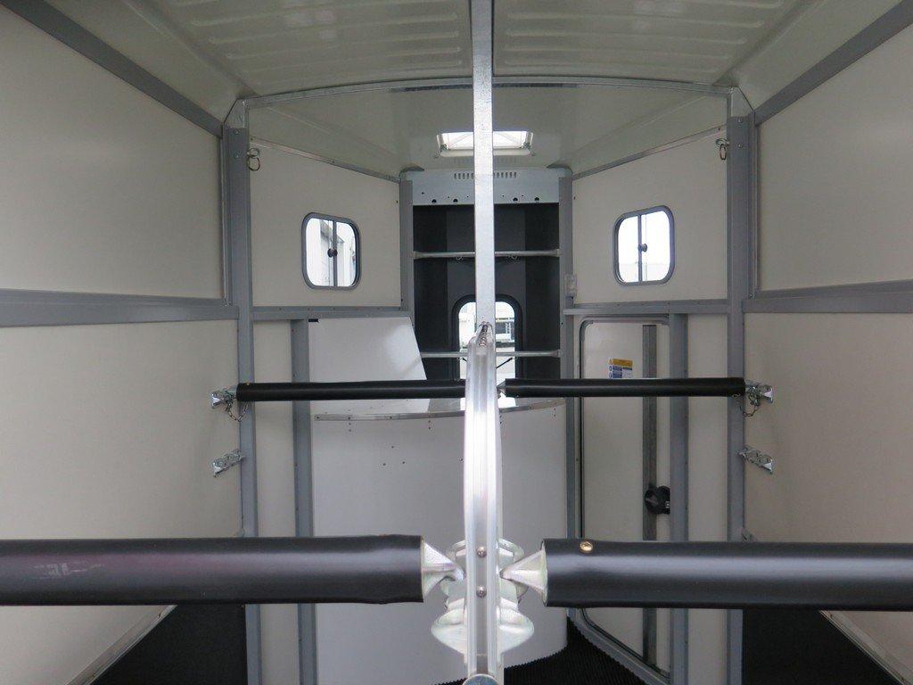 Ifor Williams HB506 2 paards paardentrailer met zadelkamer Aanhangwagens XXL West Brabant binnenkant 2 Aanhangwagens XXL West Brabant