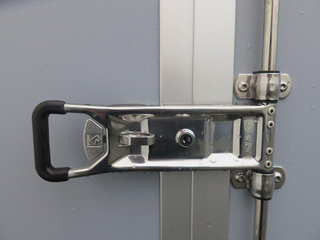 Saris gesloten aanhanger 256x134x150cm 1350kg grijs Aanhangwagens XXL West Brabant sluiting